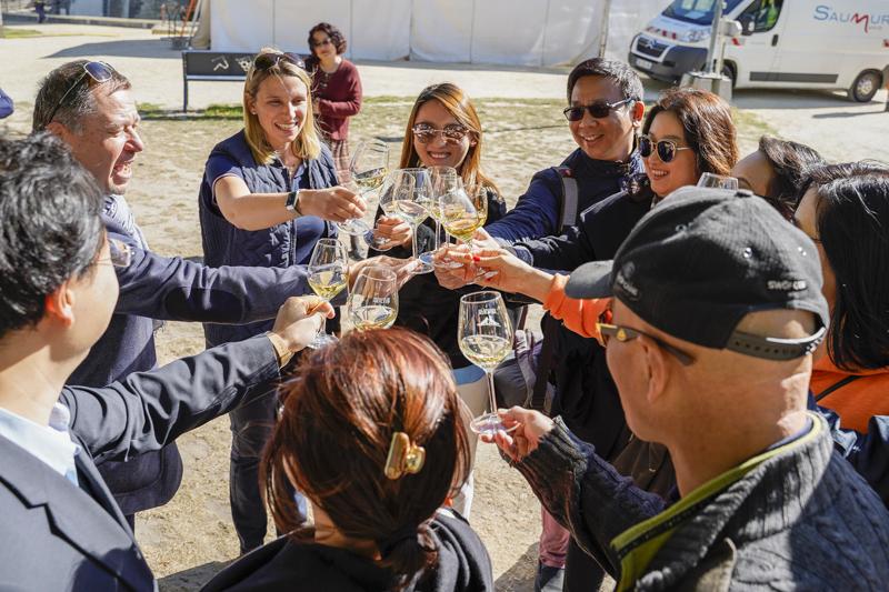 Délégation chinoise de huit agences de tourisme à Saumur